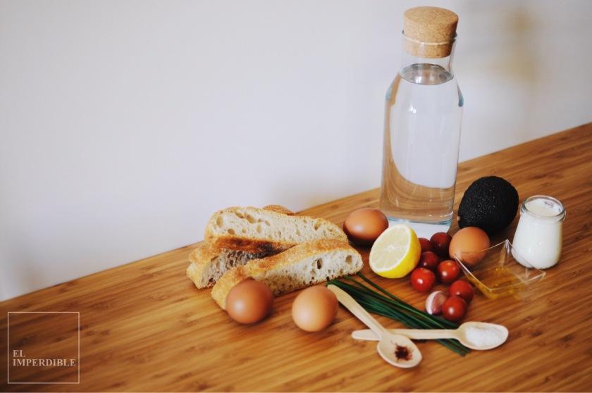 como hacer Huevos Benedict receta rápida y sencilla