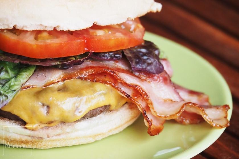 Como hacer la hamburguesa perfecta en la barbacoa receta sencilla