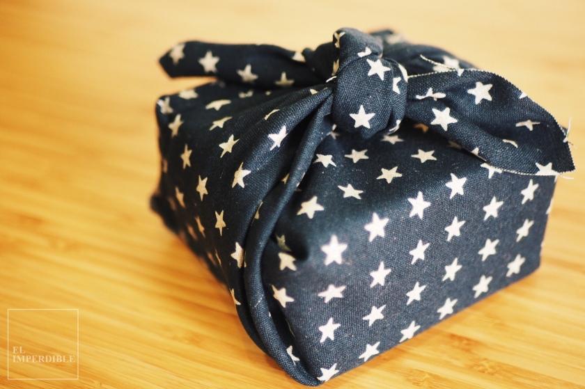 Formas originales de envolver regalos Envolver regalos con tela Furoshiki