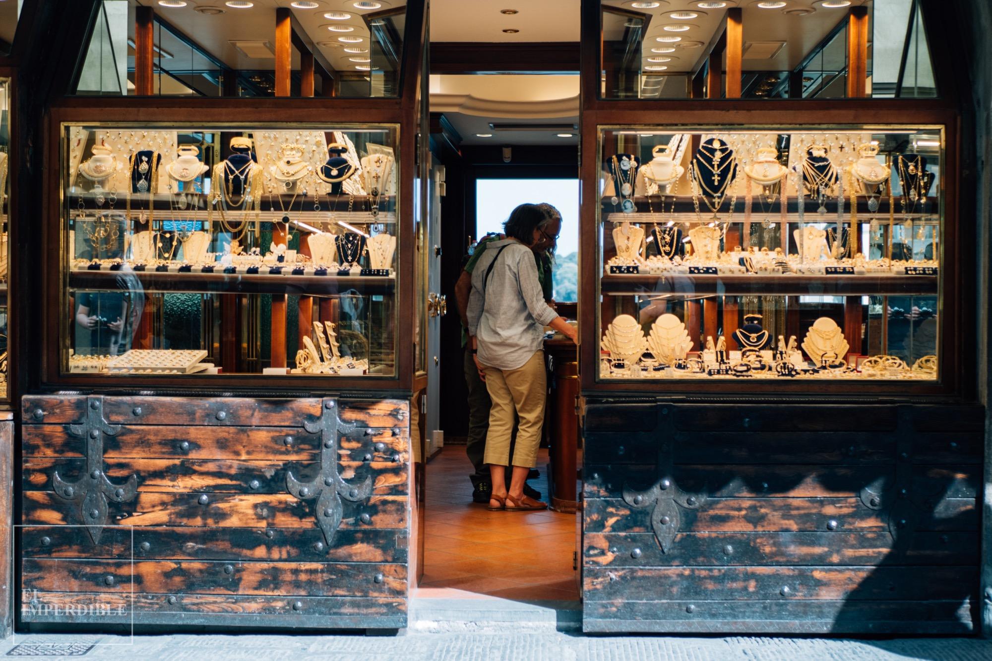 Lugares que ver en Florencia Ponte Vecchio Comercios joyerías