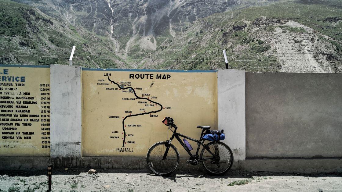 Esta pareja recorrió 14 000 km en bicicleta para viajar al Himalaya