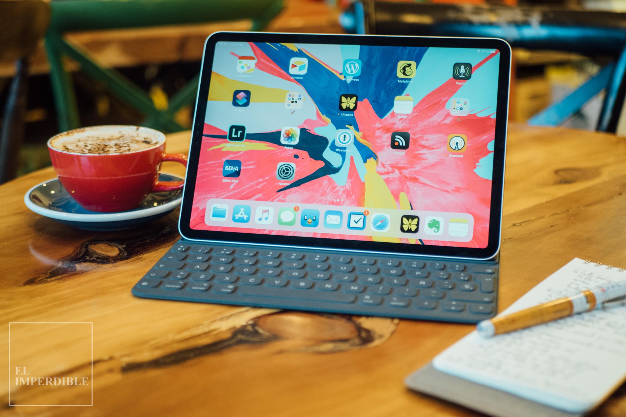 Qué llevo en mi mochila de trabajo iPad Pro 11 Smart Keyboard Folio